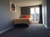 Stunning Large Furnished Brand new Ensuite Studio available No.2 £700 / MONTH–WATFORD JUNCTION