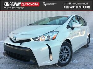 2017 Toyota Prius v - Luxury Package