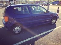 Volkswagen polo 3dr 1998 automatic blue. 71,000.