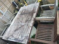 Lovely wooden garden table with 6 chairs!!!