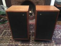 Beautiful Vintage Castle Kendal Speakers