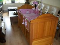 MAMAS AND PAPAS ANTIQUE PINE VICTORIA COT BED VERY GOOD CONDITION, MATTRESS & BEDDING AVAILABLE