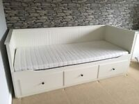 IKEA HEMNES WHITE DAY BED LIKE NEW - FREE DELIVERY