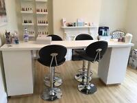 Nail bar an 4 chairs