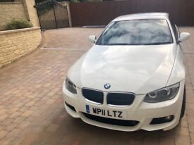 White bmw 320 in great condition