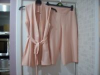 Women's Brand New Cropped Trouser Suit Dorothy Perkins Size 10 Jacket and Size 12 Trousers
