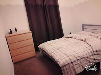 double bedroom with en suite all bills included