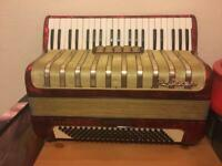 hohner medina 111 accordion