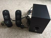 Logitech 2.1 X-230 Speakers in Excellent condition