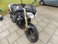 2011 TRIUMPH STREET TRIPLE - ARROW EXHAUST - ONLY 10200 MILES - GREAT CONDITION