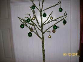 green decorative tree