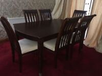 Mahogany Dining Room Table and 6 chairs (Excellent Condition)