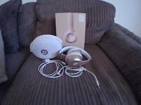 Gold Beats by Dr Dre solo2 Wireless headphones
