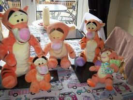 BUNDLE OF PLUSH DISNEY TIGGERS