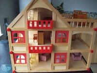 Wooden Dolls House/Furniture