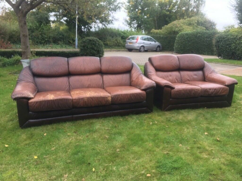 Brown Leather 2 and 3 seater sette's