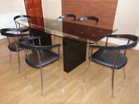Luxury Actona dining room table and six chairs