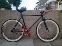 Black Quella singlespeed bike