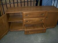 Wood cabinet, excellent condition