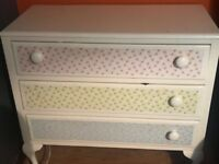 Shabby chic chest of drawers white and floral