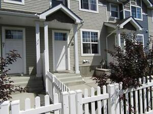 BEAUTIFUL 2- BEDROOM TOWNHOUSE WITH DBL GARAGE IN HAMPTONS