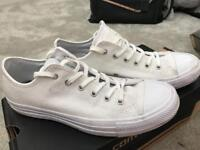 White womens converse size 5
