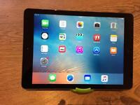 iPad Air looks like brand new , immaculate condition