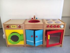 Wooden kitchen/laundry set. Includes washing machine, sink unit and cooker!