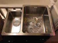 Undermounted sink