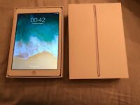 iPad 32gb 5th generation,in new condition.original box, charger and case.£210 NO OFFERS.CAN DELIVER