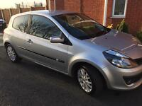 RENAULT CLIO 1.4 DYNAMIQUE S Hatchback 3 Doors Petrol Manual Silver Service History