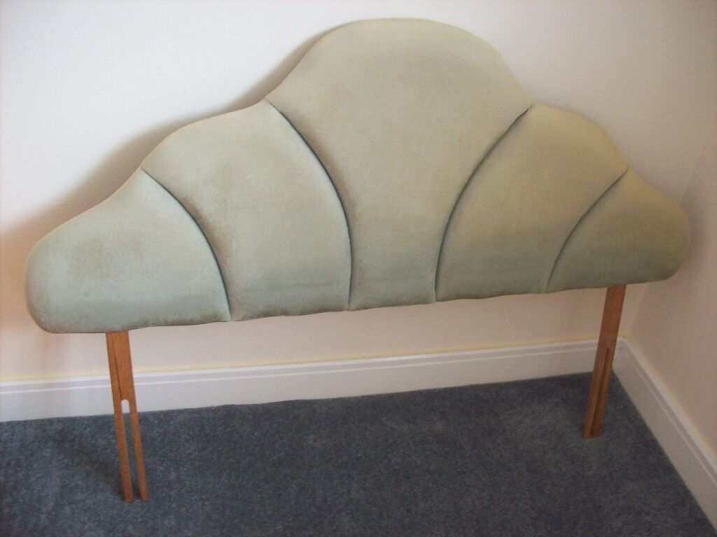 Headboard for Divan (4ft6) Double Bed Colour Light Green Very good conditionin Luton, BedfordshireGumtree - Headboard for Divan Bed Suitable to Divan Double Bed Max Overall Length approx 54 inch (4ft6inch) Colour Light Green Condition Used Very good Item comes from smoke and pet free house. Collection only cash on collection. Any questions please ask