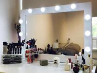 Hollywood Makeup Mirrors