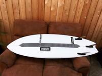 Beachbeat surfboard 5'6 shortboard performance fish