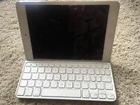 Apple iPad Mini 16GB WiFi (Silver) with Box