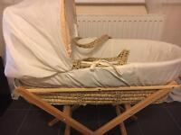 Kinder Valley Moses Basket & Basic Folding Stand