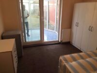 from 2/12 Double room with conservatory in Cricklewood