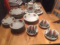 Floral bone china 34 piece serving set