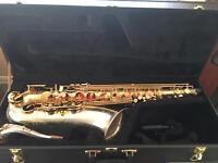 Tenor saxophone. Elkhart (USA)