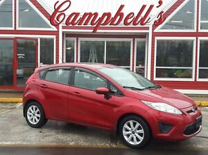 2011 Ford Fiesta SE SUNROOF!! AIR!! CRUISE!! POWER WINDOWS, LOCK