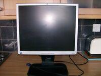 HP 19ins computer monitor