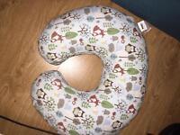 Boppy chicco breastfeeding pillow