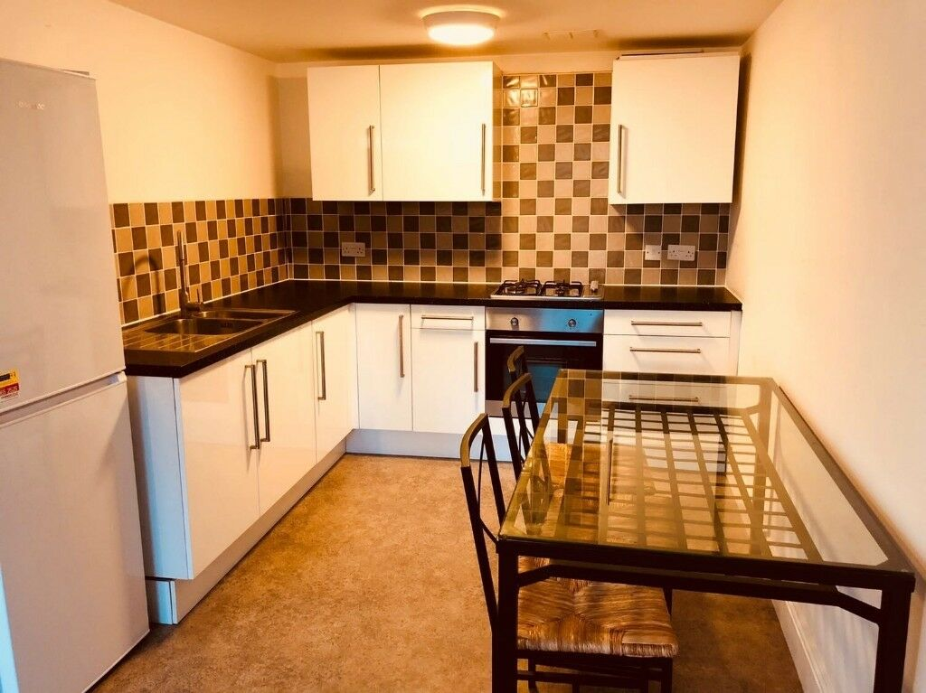 **ONE BEDROOM FLAT**NEWLY REFURBISHED**SPACIOUS ROOMS**AVAILABLE