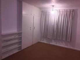 Barnes £550 pcm (inc bills)