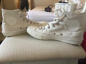 Cream chuck Taylor high top converse
