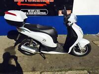 2011 honda pés 125 ( Amazing scooter )