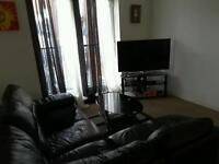 Room in a two bed room flat for rent - £275 Rent and £300 deposit