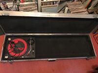 DJ Coffin, Keyboard flight case, on wheels