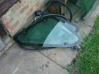 Freelander 1 rear glass windows. Comes complete with the rubber seals, £15ono