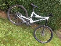 Commencal supreme fr downhill full sus bike NOT specialized kona norco giant specialised trek